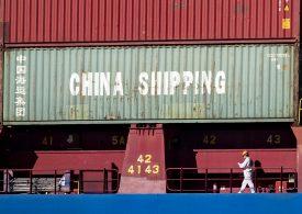 Ускорява се спадът на китайския износ