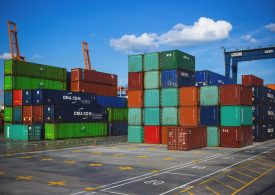 Спадът в световната търговия може да достигне 9%, растеж за Китай