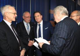 Бизнесът против референдум за Еврозоната - неправомерен и манипулативен