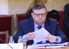 Цацаров проверява министъра на образованието Красимир Вълчев