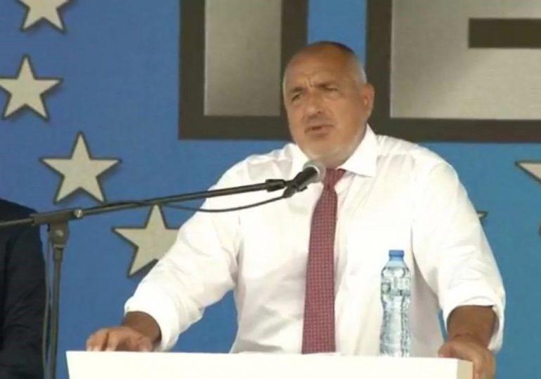 Борисов заяви, че обмисля да си тръгне, но след разговор в коалицията