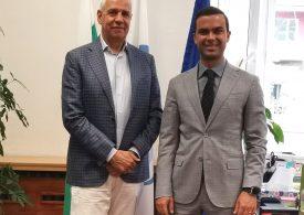 Правят онлайн среща между български и канадски фирми