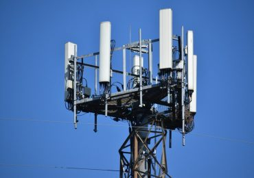 Брюксел под натиск да противодейства на  анти-5G движението