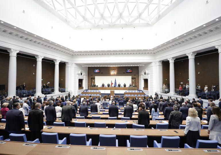 Шест партии влизат в новото НС, ВМРО и другите патриоти отпадат