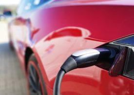 Очакват Tesla да удвои възвръщаемостта на инвестициите до 2023-та