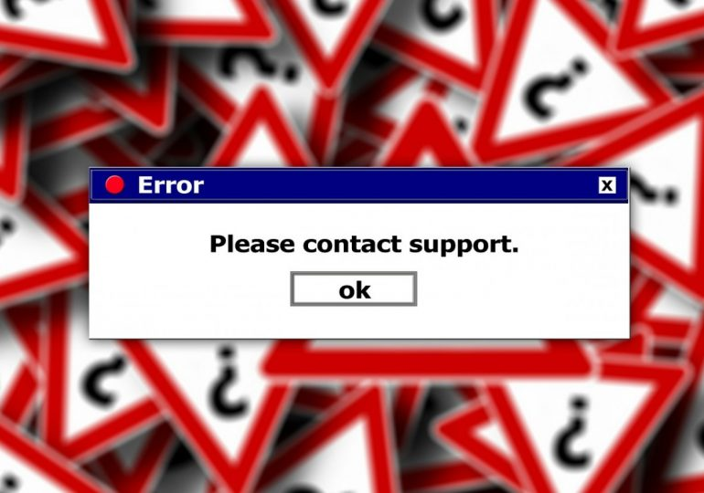 Стотици сайтове по света паднаха след глобален интернет бъг