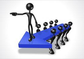 Фирмите масово търсят обслужващ персонал, мениджъри - не